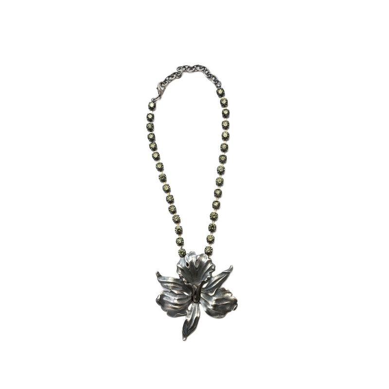 choker-orquidea-strass-prata-cinza