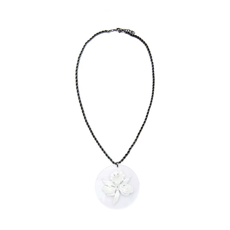 colar-orquidea-placa-branco