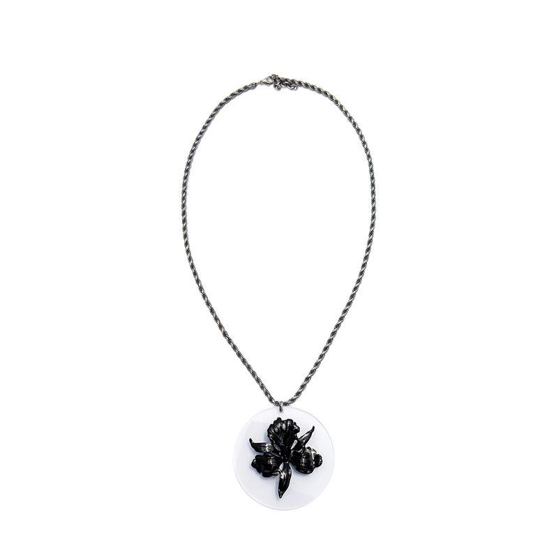 colar-orquidea-placa-preto